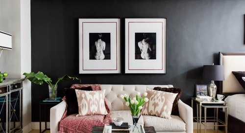10 Living Rooms with Dark Walls Perfect for Hibernating from the Cold Weather