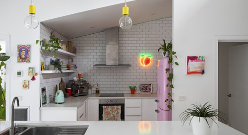 "This Colorful Home Isn't Minimalist or Maximalist—It's ""Mediumlist"""