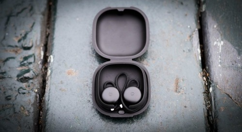 Google's Pixel Buds finally let you skip tracks with a double tap