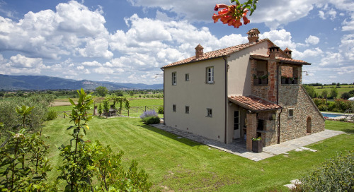 Introducing Five New Villas in the Rolling Hills of Tuscany