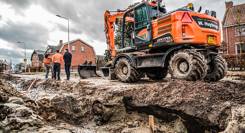 Mid-sized Dutch Earthmoving and Civil Contracting Firm Goes All-out Digital with Trimble