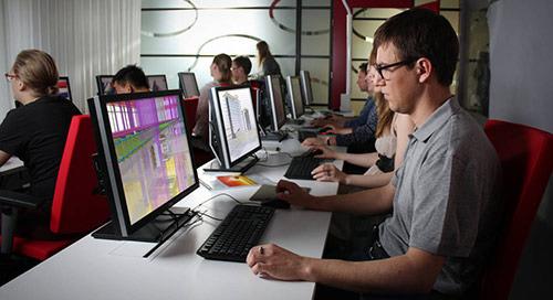 Trimble fördert Jungingenieurinnen und -ingenieure