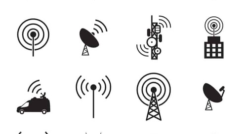 Ultra-Wideband Antenna Applications in Communication Systems