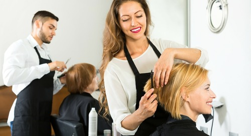 How to Conquer the Holiday Bustle for Beauty Professionals [Step-By-Step]