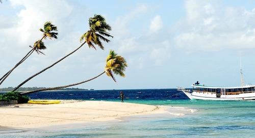 5 Tempat Wisata Anti-Mainstream di Indonesia yang WAJIB Dikunjungi!