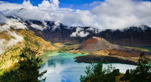 Wisata 3 Gunung Populer di Indonesia Dengan Potongan Harga