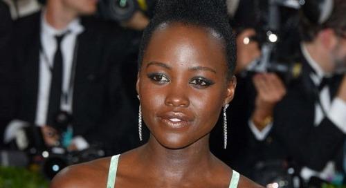 4 Selebritis Wanita Ini di-bully Karena Makeup