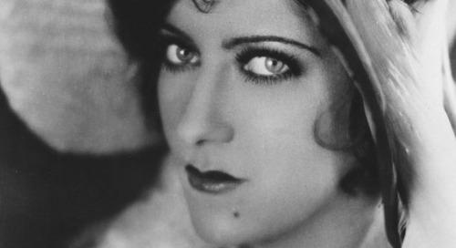 Eye Makeup Wanita di Tahun 1910-1930