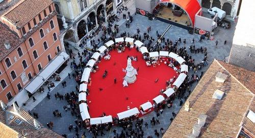 4 Perayaan Cinta di Berbagai Negara Ini Unik juga Menyedihkan