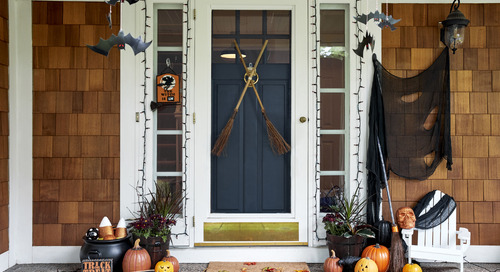 Halloween Décor for Your Front Door