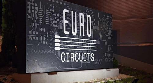 Le spécialiste Dirk Stans crée le lien vers la fabrication de circuits imprimés