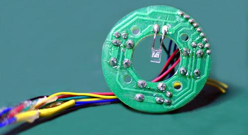 Des techniques de conception pour vous aider à rester dans la course avec des circuits imprimés toujours plus complexes