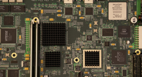 Materialauswahl für PCBs: Wie sich Substrateigenschaften auf die Leistungsfähigkeit von PCBs auswirken