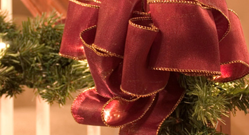 Selling your house: don't skip holiday decor