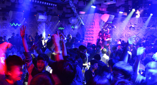 Savvy Nightclub Owners Use LED Displays to Attract High-Tech Crowds