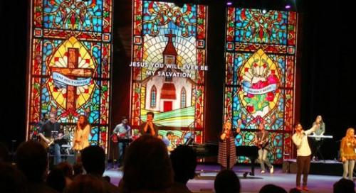LED Display Content Moves Congregants at Perimeter Church