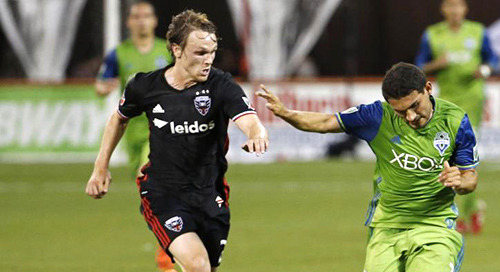 United look to control midfield against Seattle