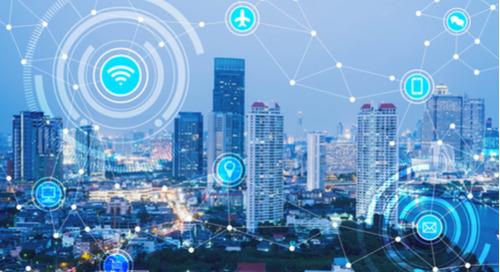 En quoi les réseaux LPWAN (Low Power Wide Area Networks) favorisent-ils le développement des systèmes IoT ?