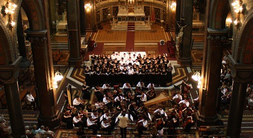 How Choirs Can Work with Orchestras: From the viewpoint of the Executive Director