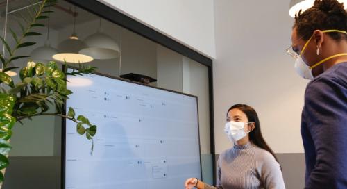 Étapes pour communiquer avec une équipe hybride composée d'employés travaillant à distance et au bureau