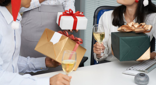 Your Guide to Buying Gifts for Coworkers During the Holidays