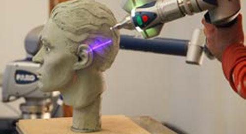 Artista forense auxilia na solução de casos ao fazer reconstruções faciais a partir de crânios