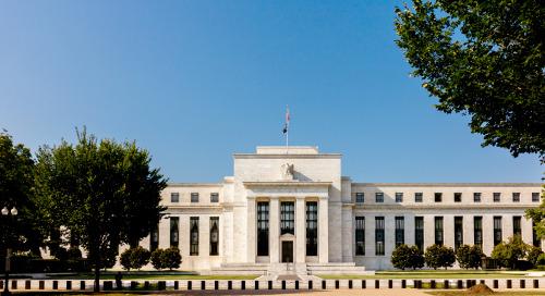 Patiente, la Réserve fédérale des É.-U. laisse son taux cible inchangé