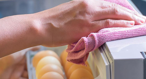 When It Comes to Your Fridge, Cleanliness is Next to Healthiness