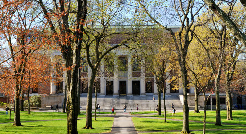 Harvard: Student Societies, Clubs and Campus Lifestyle