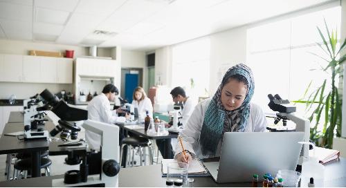 2019 : 76% des Canadiens s'intéressent à la science.