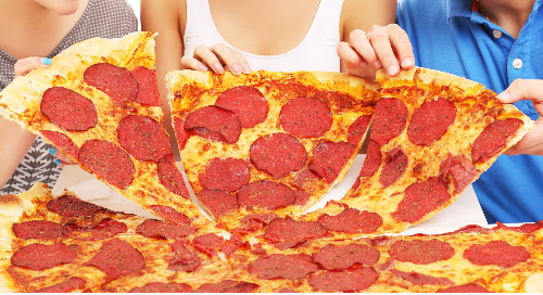 Pizza! Pizza! Pizza! Pizza! ― The Top 4 Chains Battle It Out