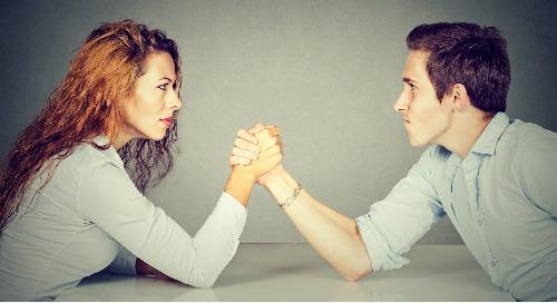 Battle of the Sexes: Social Media