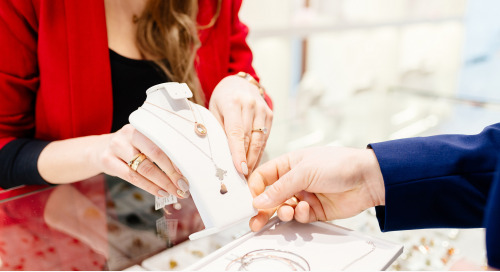 Fun And Flirty Jewelry Store Marketing Campaigns For Valentine's Day