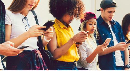 Gen Zers Prefer Personalization Over Privacy, Listen To Social Influencers