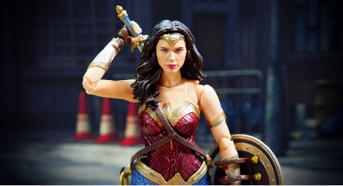 Wonder Woman 1984 Promotions Continue Despite Delayed Opening