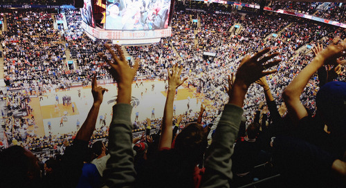 How winning teams sustain success in sports