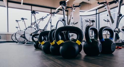 在你想去找新员工和健身中心的员工,问他是否在健身中心工作