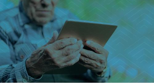 Tablettes, formation et soutien technique : un nouveau programme aide les aînés à faible revenu à garder le contact durant la pandémie