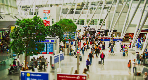 Dynamic Overbooking: Cancellations and No Shows for Maximum Revenue