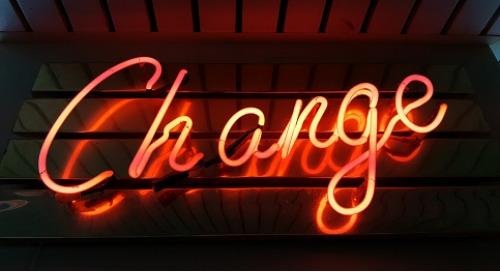 新的作者名称更改策略支持更具包容性的发布环境