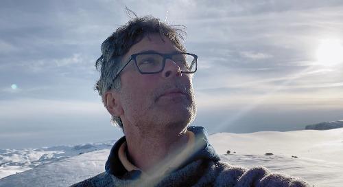 """见见""""启发思维""""和环境研究员佩尔·斯滕·斯托克内斯"""