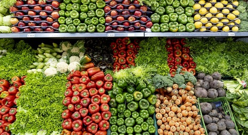 Custom In-Store Wall Covering Solution Meets Client's Demands | Grocery