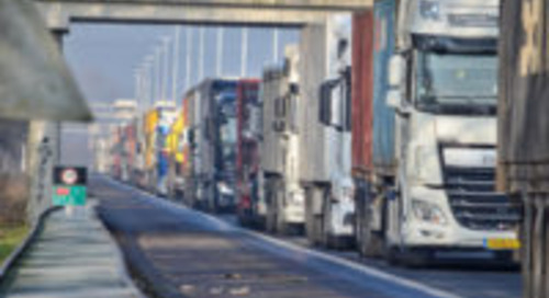 Chauffeurstekort en duurzaamheid stagneren verkoop vrachtwagens en trailers