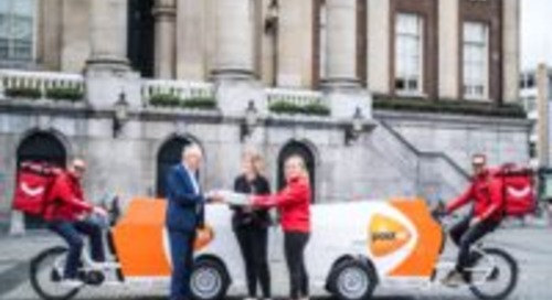 PostNL in zee met Dropper voor pakketbezorging in Groningen
