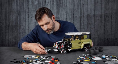 The New Land Rover Defender's 2,573-Piece LEGO Sidekick