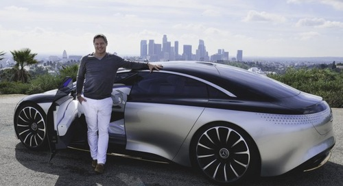 Mercedes-Benz VISION EQS Speeds Toward the Future of Luxury