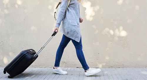 How to Travel Lightly This Holiday Season and Still Look Amazing