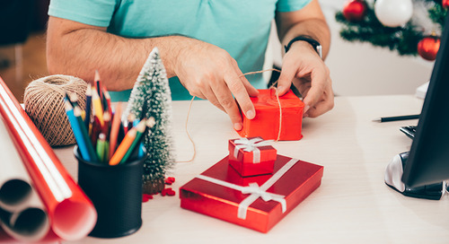 Should You Buy Gifts for Your Workers this Holiday Season?