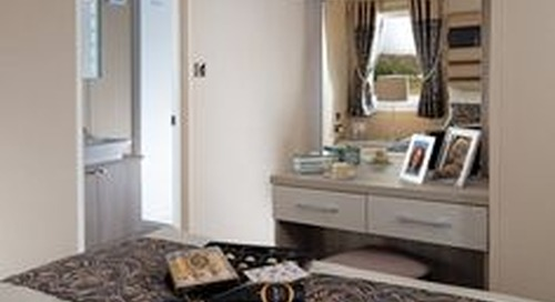 MASTER BEDROOM Generous wardrobe space Recessed dressing table (2 bed model only) Lift up bed with storage underneath Cream duvet covers and