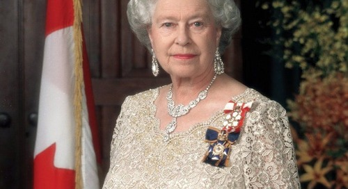 Rahasia Ratu Elizabeth II Tidak Pernah Menundukkan Kepalanya